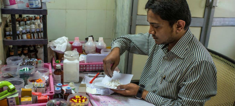 Iniciativa da OMS mostra como melhorar a prescrição, distribuição e consumo dos remédios. Foto: WHO/OMS
