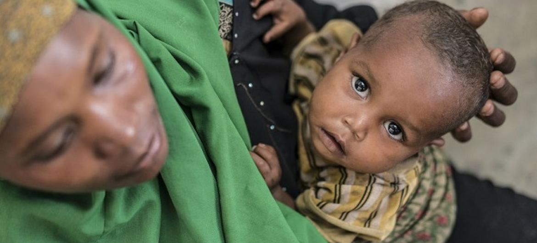 Mãe e filha na Somália. Foto: UNICEF/Mackenzie Knowles-Coursin
