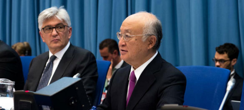O diretor-geral da Aiea, Yukiya Amano (à dir.) durante a reunião da comissão preparatória para a Conferência de Revisão do Tratato de Não Proliferação de Armas Nucleares. Foto: Unis Viena