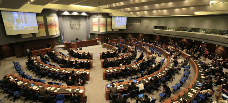 Delegações e oficiais da região da Ásia e Pacífico se reúnem em Bangkok, na Tailândia, para a abertura da 73ª sessão anual da Comissão Econômica e Social da ONU para Ásia e Pacífico, Escap. Foto: Escap/Suwat Chancharoensuk