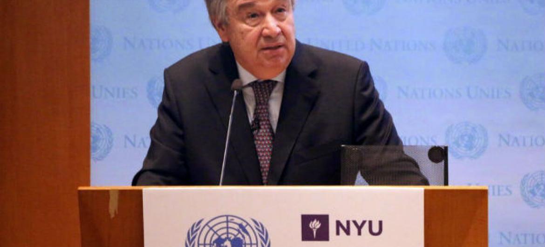 Secretário-geral da ONU, António Guterres, discursa na NYU Stern School of Business. Foto: ONU/Florencia Soto Nino
