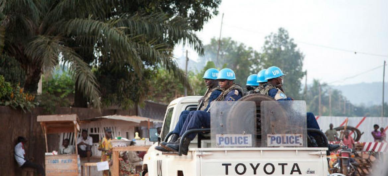 Patrulha da Missão da ONU na República Centro-Africana, Minusca, na capital do país, Bangui. Foto: ONU/Catianne Tijerina