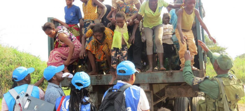 Diariamente até 700 congoleses candidatos a asilo entram em Angola. Foto: Acnur/Pumla Rulashe