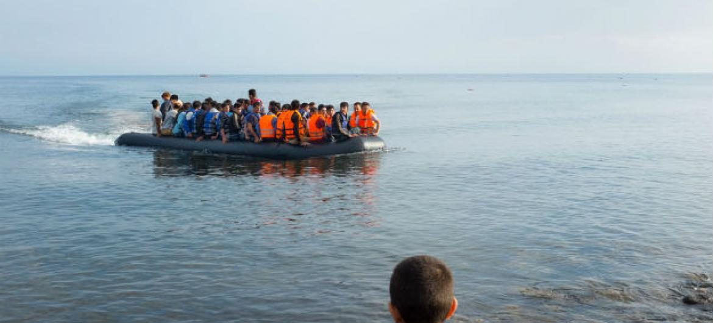 Ao longo de todo o ano de 2016, foram 26 mil menores de idade desacompanhados que atravessaram o mar rumo ao território italiano. Foto: Unicef/Ashley Gilbertson VII