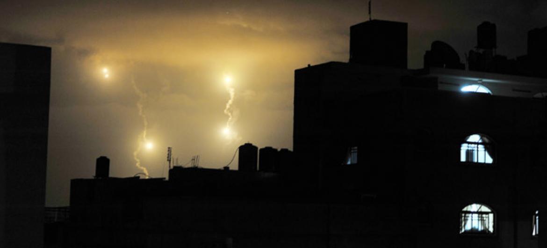 Noite na cidade de Gaza. Foto: ONU/Shareef Sarhan (arquivo)
