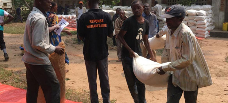 PMA pretende atingir 500 mil pessoas até o fim de dezembro com ajuda alimentar.