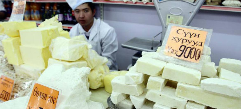 Os derivados do leite, especialmente manteiga, queijo e leite em pó registraram uma subida de 3,6% somente em julho. Foto: FAO