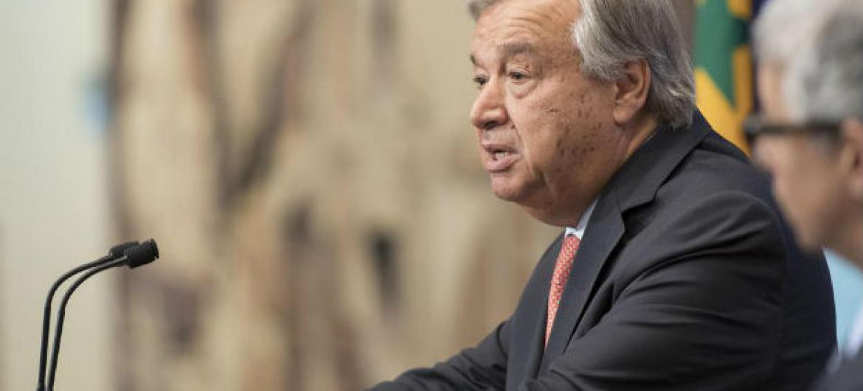 António Guterres em coletiva de imprensa na sede da ONU, em Nova Iorque. Foto: ONU/Mark Garten