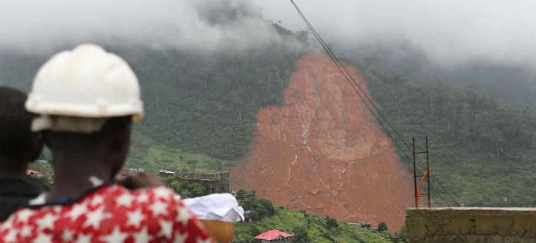 Deslizamentos de terra em Freetown, Serra Leoa. Foto: Unicef
