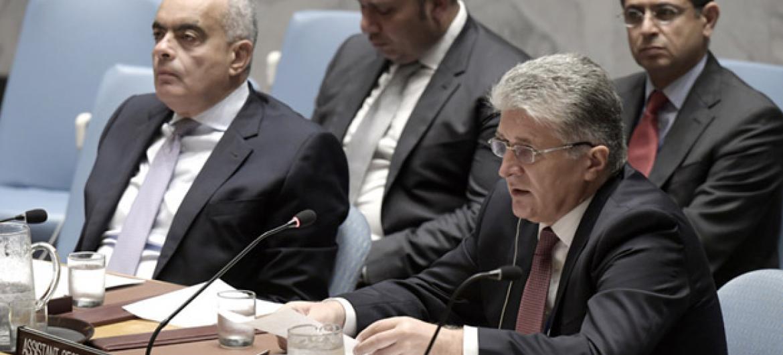 Miroslav Jenca (à direita), secretário-geral assistente da ONU para Assuntos Políticos, fala no Conselho de Segurança da ONU.Foto: ONU/Kim Haughton