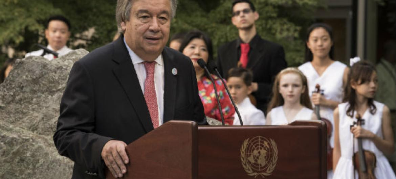 Secretário-geral da ONU, António Guterres, em cerimônia sobre o Dia Internacional da Paz na sede da ONU, em Nova Iorque. Foto: ONU/ /Kim Haughton
