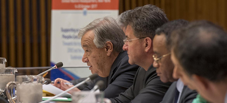 Secretário-geral da ONU, António Guterres, discursa na abertura da Semana da África 2017. Foto: ONU/Cia Pak