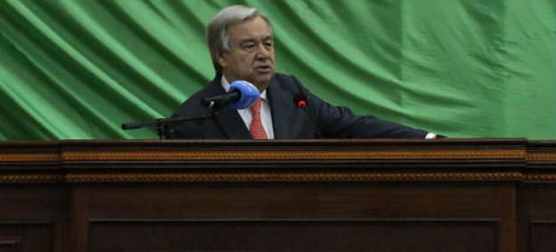 António Guterres em discurso na Assembleia Nacional da República Centro-Africana. Foto: ONU/Hervé Serefio