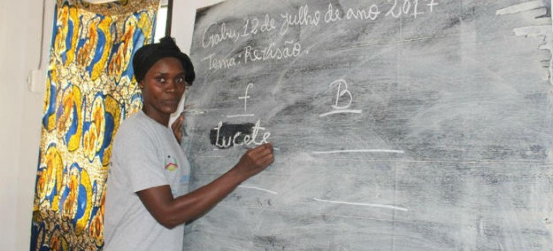 Novas definições de pobreza incluem fatores como educação. Foto: UNIOGBIS