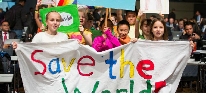 Crianças da Conferência das Nações Unidas sobre Mudança Climática, em Bonn, na Alemanha. Foto: Unfccc