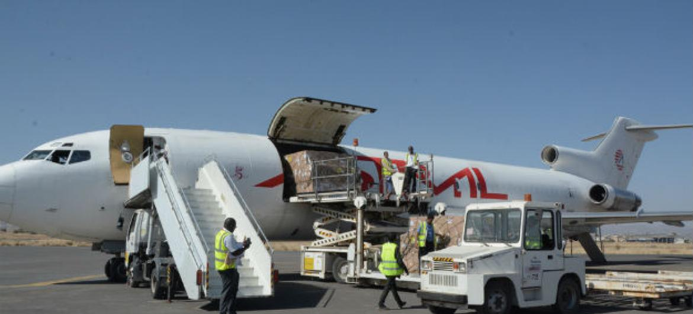 Entrega de kits básicos de saúde no Iémen. Foto: Unicef/UN0147212/Madhok