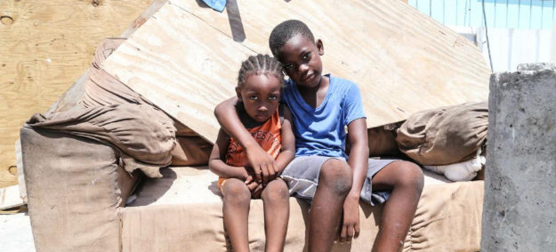 Em Antígua e Barbuda, muitas crianças e suas famílias continuam em abrigos sem poder voltar para casa. Foto: Unicef/Moreno Gonzalez