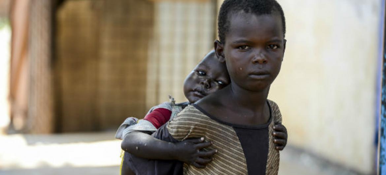 Desde o início do conflito, pelo menos 19 mil crianças sul-sudanesas foram recrutadas por grupos armados. Foto: Unicef/Rich