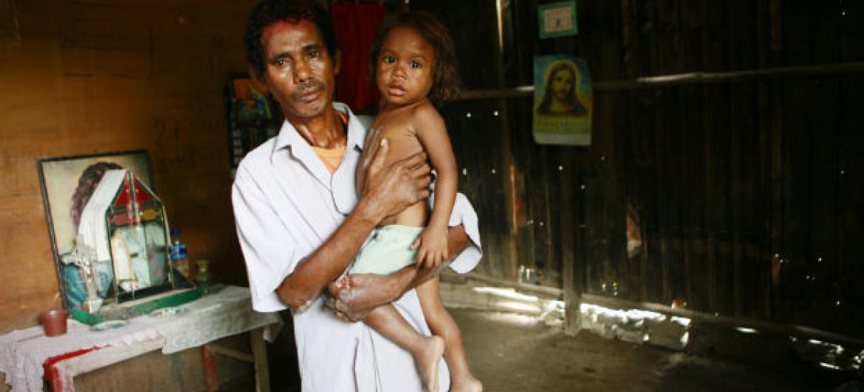 Paciente com hanseníase no Timor-Leste. Foto: ONU/Martine Perret
