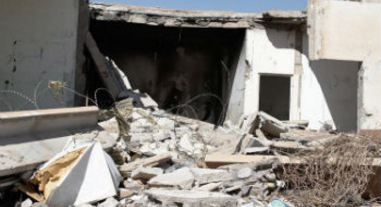 Casa destruída na cidade de Mizdah, na Líbia, após conflito tribal em março de 2013. Foto: Irin/Jorge Vitoria Rubio