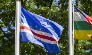 Bandeira de Cabo Verde. Foto: ONU/Loey Felipe