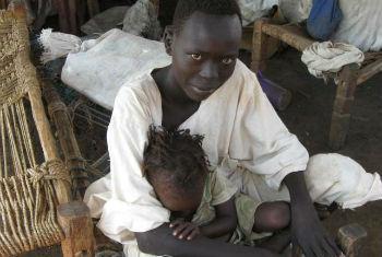 Jovem sudanesa refugiada no acampamento de Yusuf Batil. Foto: Acnur/P. Rulashe
