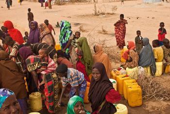 Refugiados somalis no Quénia. Foto: Acnur/Brendan Bannon