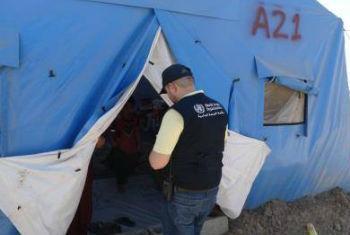 Representante da OMS visita campo no Iraque para verificar as condições de saúde e necessidades da população. Foto: OMS/S. Al-Dahwi