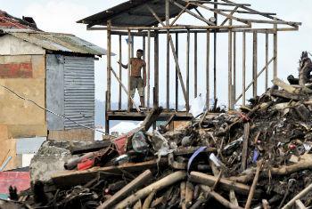 Estragos causados pelo tufão Haiyan nas Filipinas. Foto: ONU/Evan Schneider