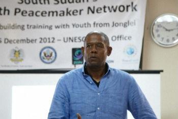 Forest Whitaker em visita ao Sudão do Sul em 2012. Foto: Unesco/Ericsson