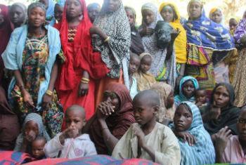 Civis nigerianos. Foto: Irin/Anna Jefferys