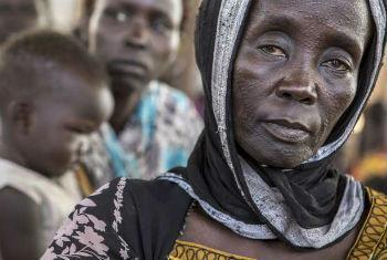 Refugiada sul-sudanesa num acampamento na Etiópia. Foto: Acnur/P.Wiggers