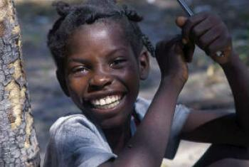 Menina angolana. Foto: Acnur