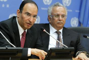 Embaixadores do Kuwait (esq.) e da Arábia Saudita. Foto: ONU/Devra Berkowitz