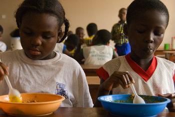 Alimentação inadequada pode causar obesidade. Foto: Banco Mundial