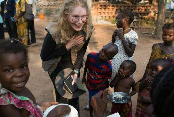 Mia Farrow na República Centro-Africana. Foto: Unicef