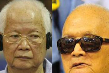Khieu Samphan (esq.) e Nuon Chea. Foto: Tribunal da ONU para o Camboja
