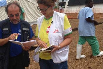 Médicos Sem Fronteiras na Serra Leoa. Foto: OMS/T. Jasarevic