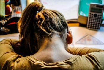 Pessoas com depressão devem procurar ajuda. Foto: OMS/N. Neubauer