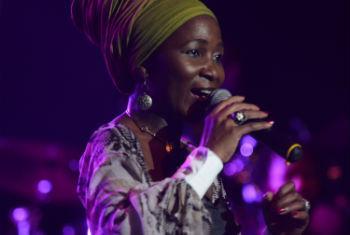 Mingas promove paz com sua música. Foto: Rádio ONU/Ouri Pota