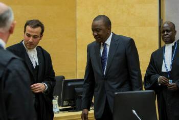 Chegada de Uhuru Kenyatta ao Tribunal Penal Internacional. Foto: TPI