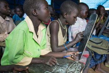 Educação para crianças sul-sudanesas. Foto: Unicef