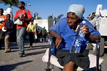 Idosa no Haiti. Foto ONU/Marco Dormino