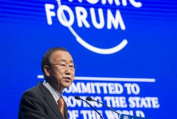 Ban Ki-moon em discurso no Fórum Econômico Mundial. Foto: ONU/Mark Garten