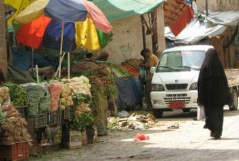 Consumo de alimentos mais baratos noIémen. Foto: Pnud Iémen
