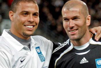 Ronaldo (esq.) e Zinédine Zidane. Foto: Pnud