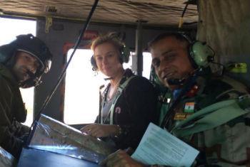 Sigrid Kaag com equipe da ONU no Líbano. Foto: Unifil