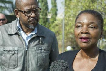 Valerie Amos e Forest Whitaker em visita ao Sudão do Sul. Foto: ONU/Isaac Gideon