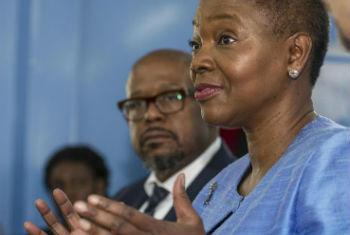 Valerie Amos e Forest Whitaker. Foto: ONU/Isaac Gideon
