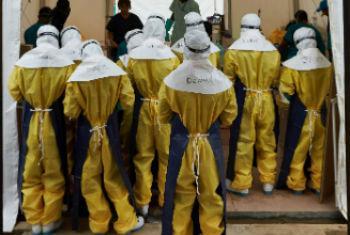 Treinamento para médicos em Serra Leoa. Foto: OMS/R. Holden